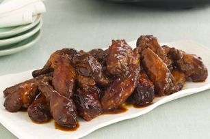 Saucy Slow-Cooker Party Wings