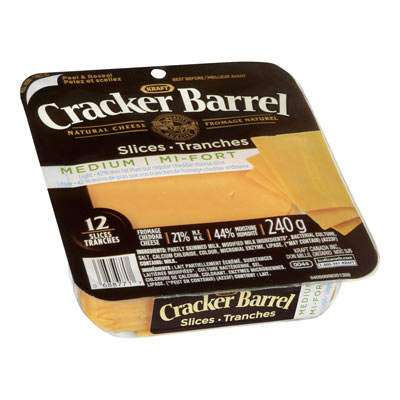 CRACKER BARREL Tranches de fromage naturel Cheddar mi-fort léger