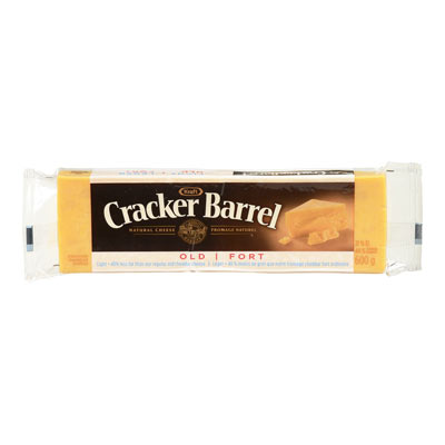 CRACKER BARREL 600 GR NATURAL CHEESE-BARS LIGHT OLD CHEDDAR COLORED     1 WRAPPER EACH