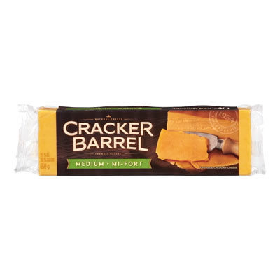 CRACKER BARREL 650 GR NATURAL CHEESE-BARS  MEDIUM CHEDDAR COLORED     1 WRAPPER EACH