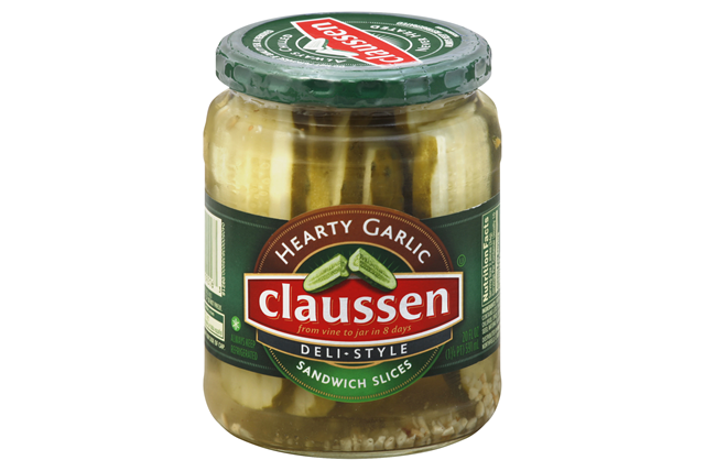 CLAUSSEN Hearty Garlic Sandwich Slices Pickles 20 oz. Jar