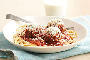 Elegante espagueti con albóndigas