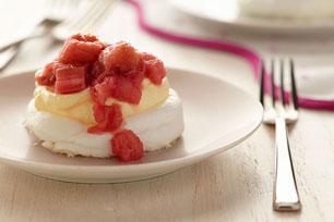 Rhubarb-Vanilla Meringues