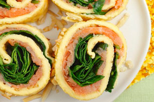 Egg Wrap with Spinach and Salmon