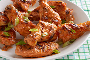 Simple Sriracha Chicken Wings Image 1