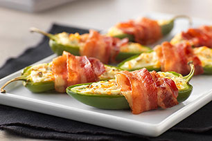 Bacon-Wrapped Jalapeño Peppers