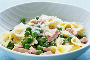 Bow-Tie Pasta with Ham and Peas Image 1