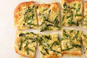 Pizza aux asperges et au fromage Image 1