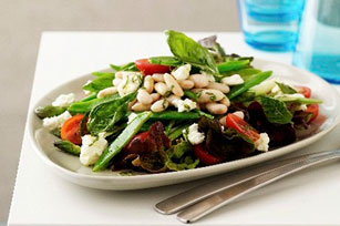 Green Salad with Tomatoes and Asparagus Image 1