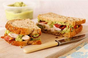 Sandwich au poulet avec guacamole et bacon Image 1