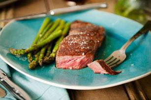 Bifteck grillé et asperges Image 1