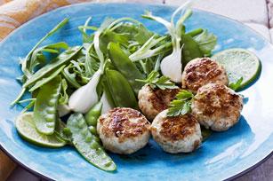 Mini-galettes de poulet et salade verte printanière Image 1