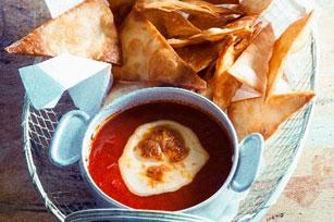 Trempette de salsa aux tomates fraîches avec croustilles tortillas Image 1