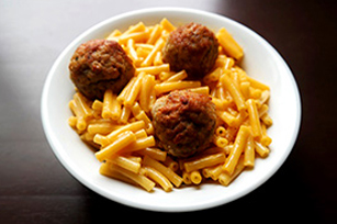Easy Meatball Mac & Cheese Image 1