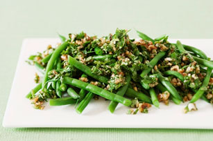 Green Beans with Walnut Pesto