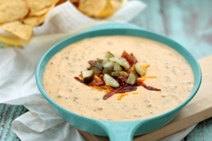 Bacon Cheeseburger Queso Dip