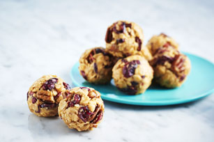 Fruit-and-Nut Peanut Butter Snack Bites
