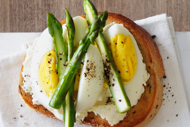 Chive, Asparagus and Egg Toast Image 1