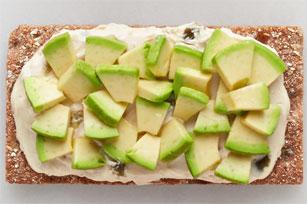 Guacamole-Style Spread on Crispbread Image 1