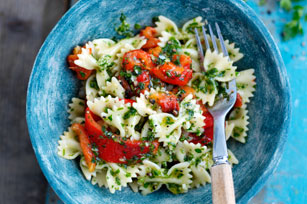 Farfalle Pasta with Roasted Peppers Image 1