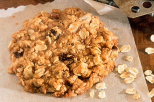Chewy Oatmeal-Raisin Cookies Image 1