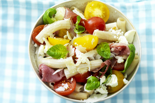 Pasta Salad with Ham and Tomatoes Image 1