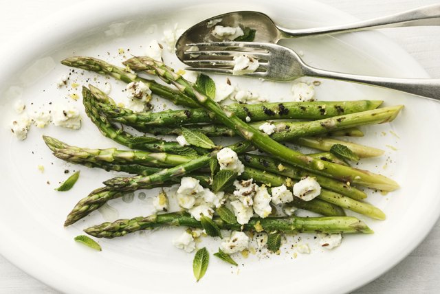 Grilled Asparagus with Feta and Mint Image 1