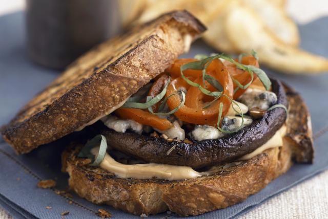 Sandwich aux champignons grillés à la méditerranéenne Image 1