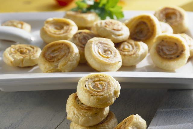 Cinnamon and Pistachio Pinwheels Image 1