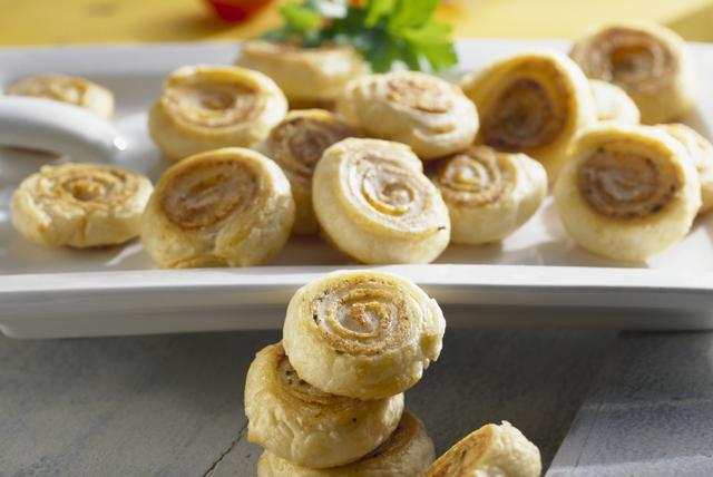 Cinnamon and Pistachio Pinwheels Image 1