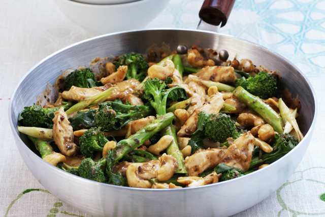 Chicken and Broccoli Quick Stir-Fry Image 1