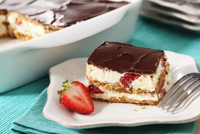 Dessert éclair aux fraises