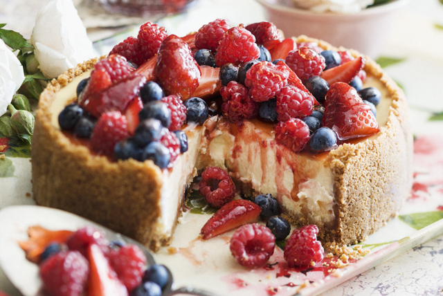 Frozen Berry Cheesecake Image 1