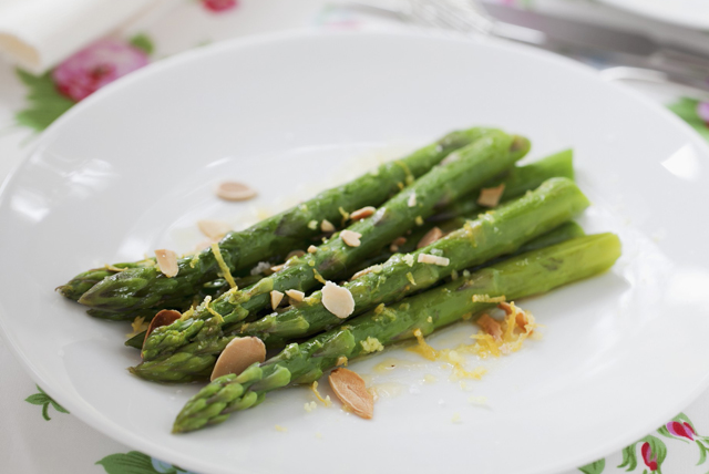 Citrus-Asparagus with Toasted Almonds Image 1