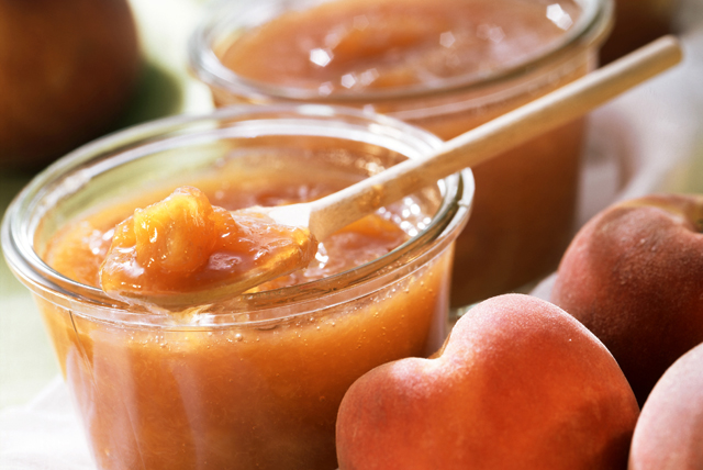 No-Cook Light Peach Jam - CERTO Light Crystals Image 1