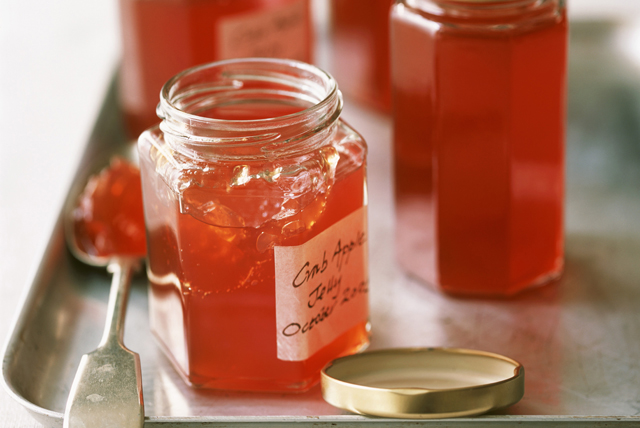 Cooked Light Apple or Crabapple Jelly - CERTO Light Crystals Image 1