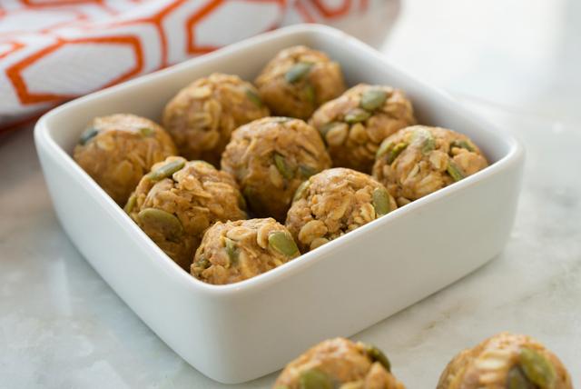 Bouchées de beurre d'arachide aux épices pour tarte à la citrouille Image 1