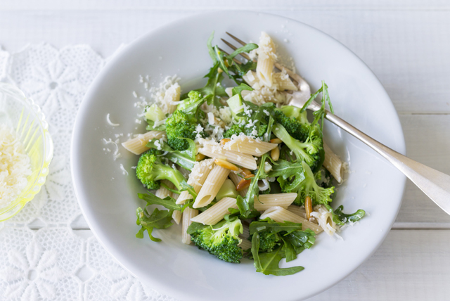 Penne with Arugula, Broccoli and Pine Nuts Image 1