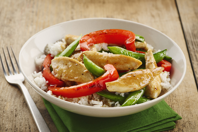 Sizzling Chicken, Pea and Pepper Stir-Fry Image 1
