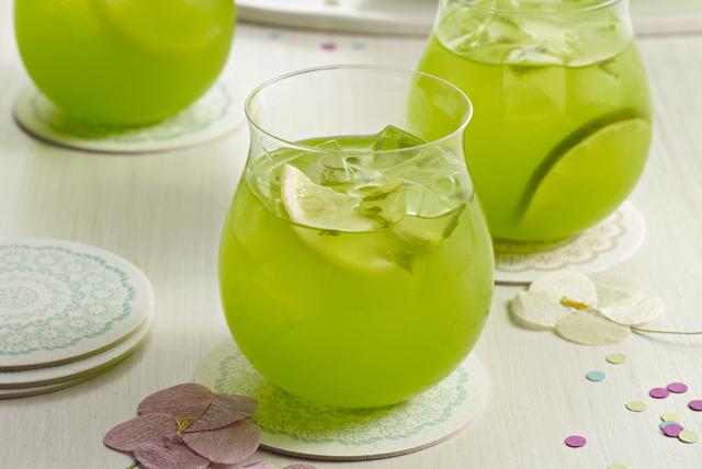 Punch pétillant à l'ananas et à la lime Image 1