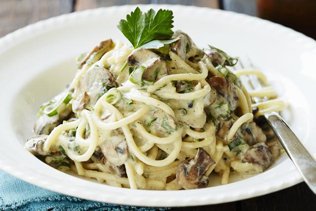 Creamy Mushroom Spaghetti