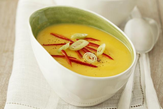 Soupe crémeuse à la citrouille et à la noix de coco  Image 1