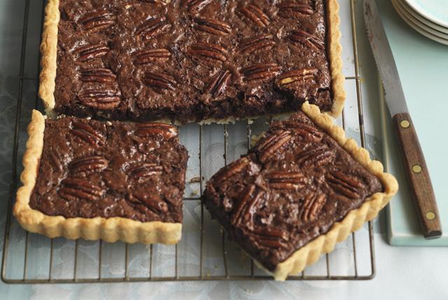 Tarte rectangulaire au chocolat et aux pacanes Image 1