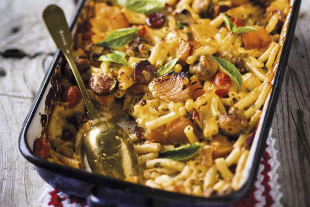 Macaroni au fromage aux saucisses et aux légumes