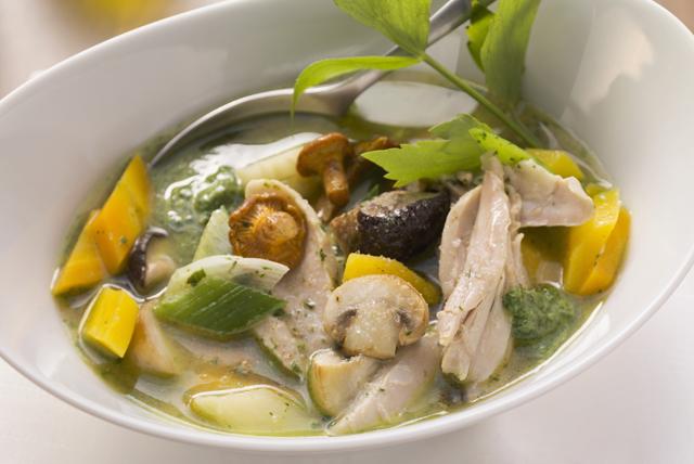 Soupe maison éclair au poulet et aux légumes Image 1