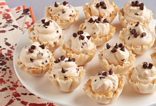 Mousse éclair au chocolat et au beurre d'arachide en coupes Image 1