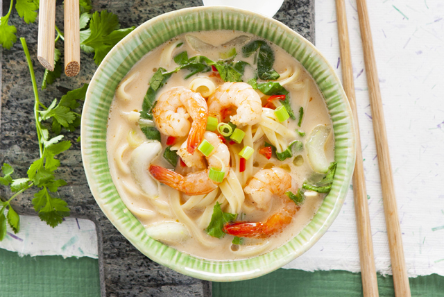 Soupe aux crevettes, à la noix de coco et au cari Image 1