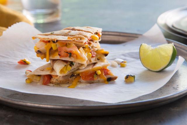 Quesadillas grillées au poulet à la mode de Baja Image 1
