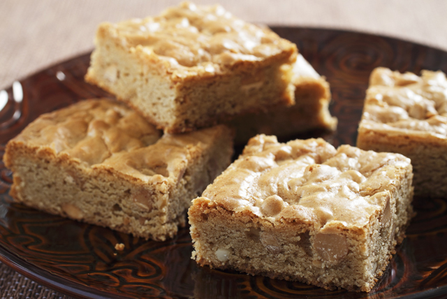 Apple and Walnut Blondies Image 1