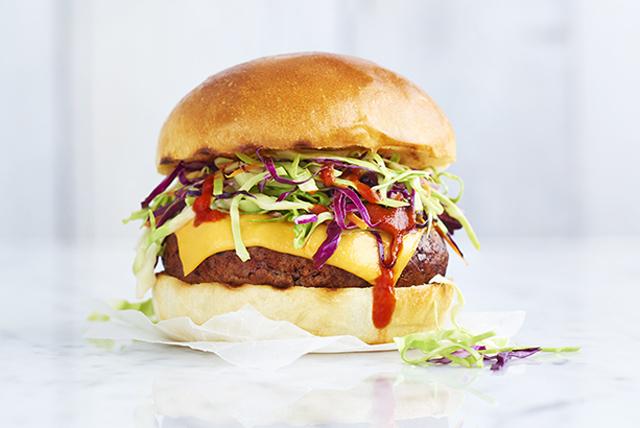 Burgers au fromage et à la sauce sriracha Image 1